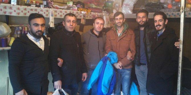 AK Parti'den engellilere kışlık mont