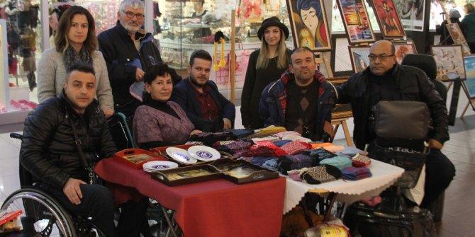 Engellilerden resim ve el sanatları sergisi