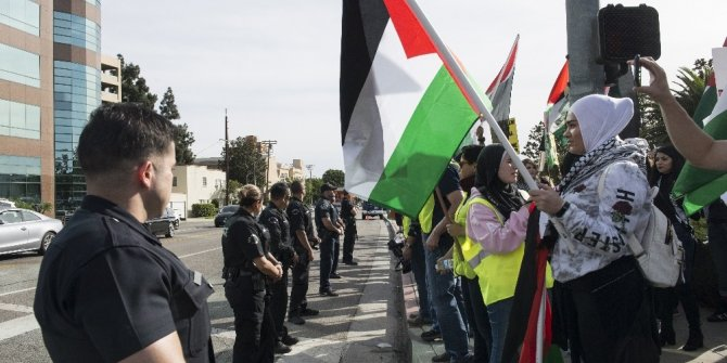 Los Angeles'da Kudüs kararı protesto edildi