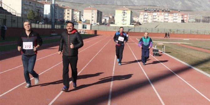 Erzincan'da Masterler ve Veteranlar Atletizm Yarışmaları Yapıldı