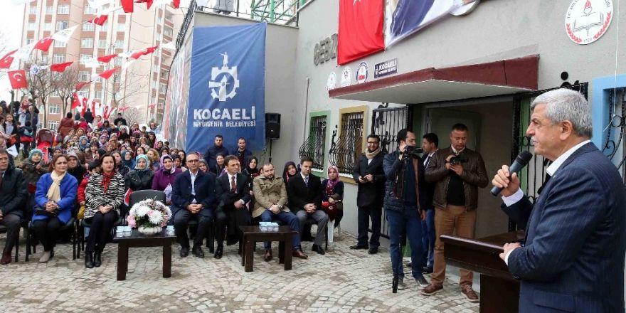 Başkan Karaosmanoğlu, spor merkezinin açılışını yaptı