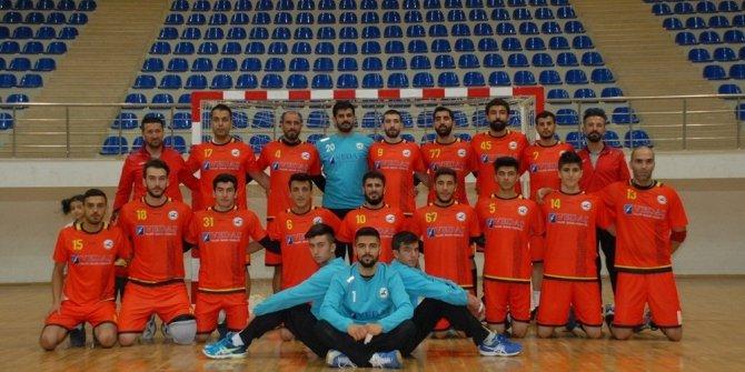 Erek Beş Yıldız Hentbol Takımı ligin ilk yarısını lider bitirdi