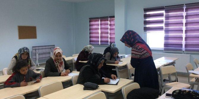 Gürpınarlı kadınlar için okuma yazma kursu