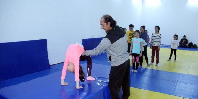 Edremit'in gençleri boulder ve squash ile tanıştı