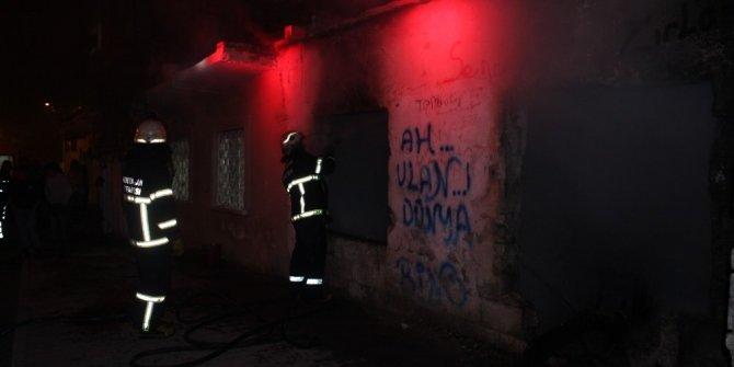 Metruk evde çıkan yangın paniğe neden oldu