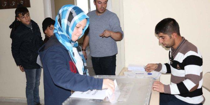 Bitlis'te 'Çocuk Meclisi' seçimi
