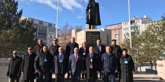 Asimder ve Azerbaycan heyeti Aliyev'i andı