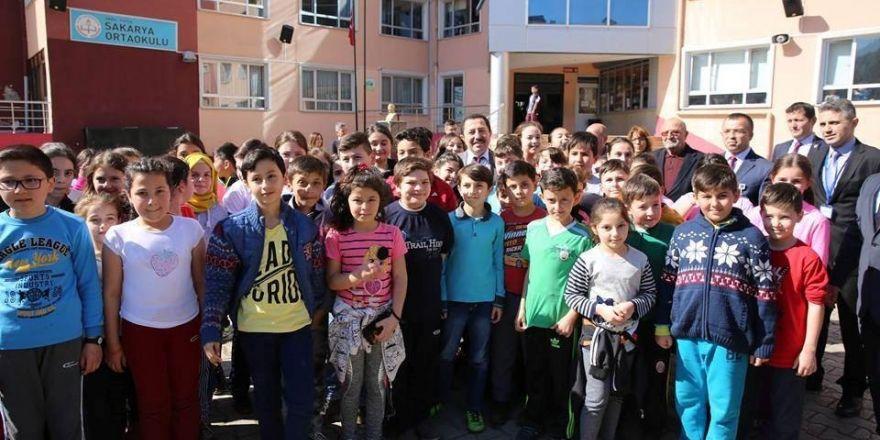 Vali Balkanlıoğlu, Fatsa'da öğrencilerle buluştu