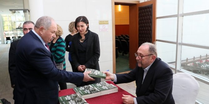 Gazeteci Ünver, Mersin tarihini ve gazeteciliği anlattı