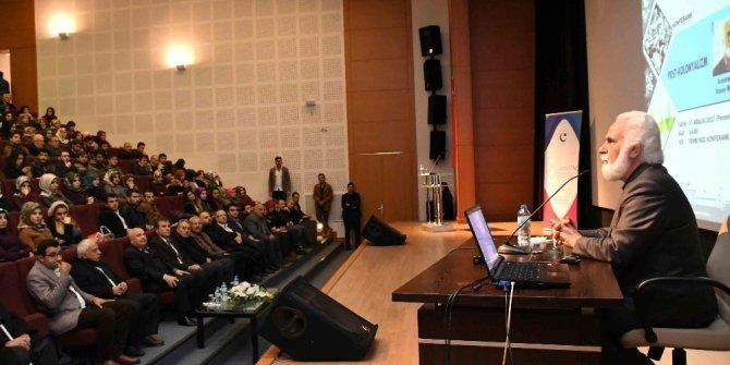 Adıyaman'da 'Postkolonyalizm' konulu konferans düzenlendi
