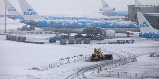 Kuzey Avrupa'da uçuşlara elverişsiz hava engeli