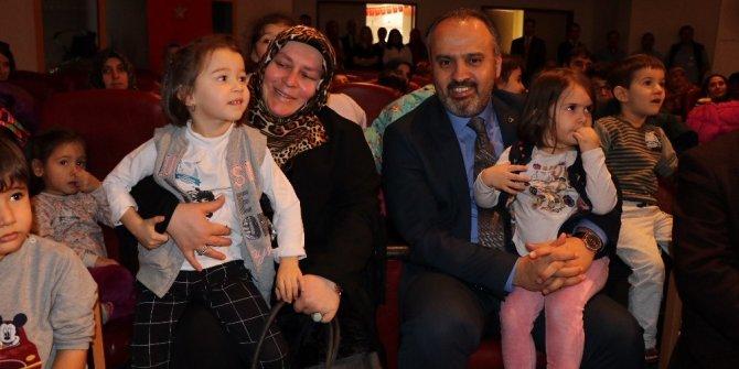 Aktaş'tan hasta çocuklara moral