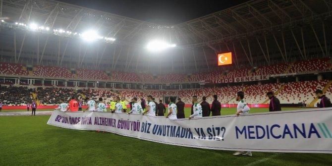 Medicana Sağlık Grubu'ndan kupa maçında Alzheimer mesajı