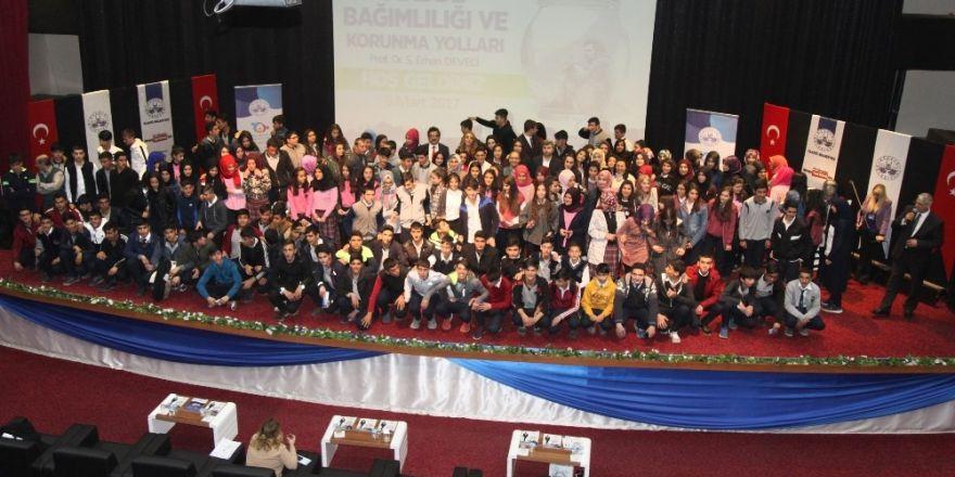 Elazığ'da öğrencilere madde bağımlılığı semineri  verildi