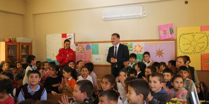Mersin'de öğrencilere deprem eğitimi