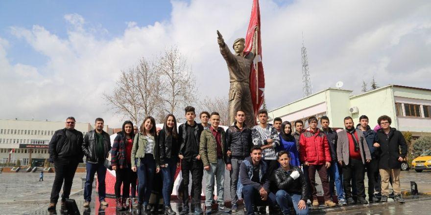 Ereğlili gençlerden Ömer Halisdemir'in kabrine ziyaret