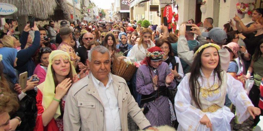 Esnaflar 6-9 Nisan'daki Alaçatı Ot Festivaline kilitlendi