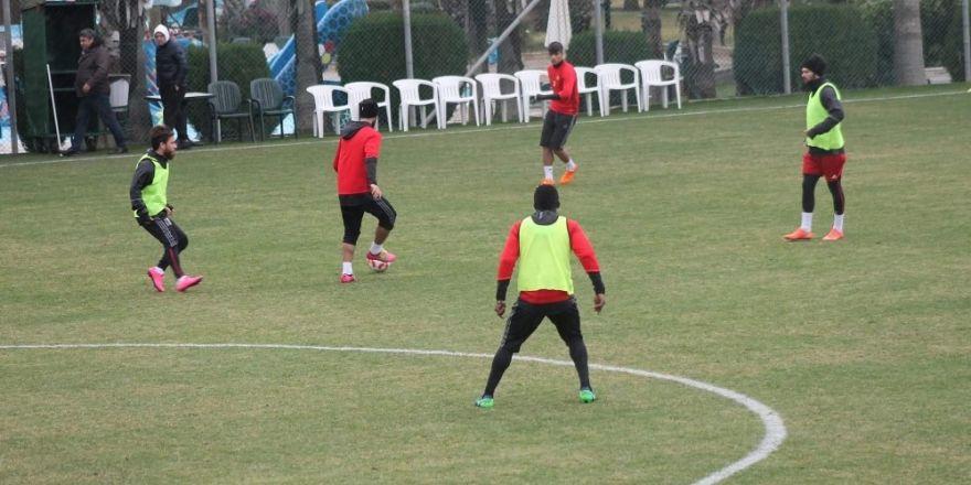 Evkur Yeni Malatyaspor, Şanlıurfa maçına Antalya'da hazırlanıyor