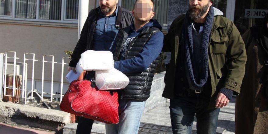 Uyuşturucu takibinde yakalanan şahsın 5 yıl hapsi olduğu ortaya çıktı