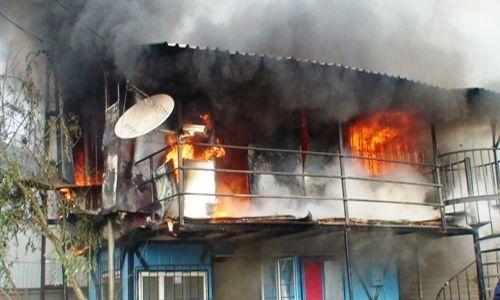 Pendik'te İşyeri Yangını