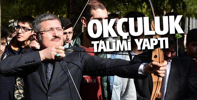 Pendik Belediye Başkanı Şahin, Öğrencilerle okçuluk talimi yaptı