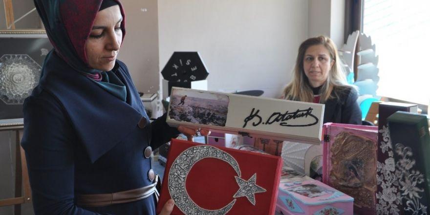 Tunceli'de, kadınlar el emeklerini sergiledi