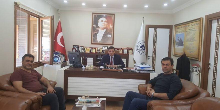 Havalimanındaki Terör saldırısı İzmir'de protesto edildi