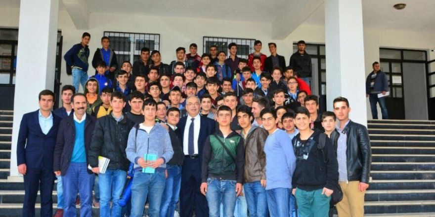Kutlu, Mesleki ve Teknik Anadolu Lisesi öğrencileriyle buluştu