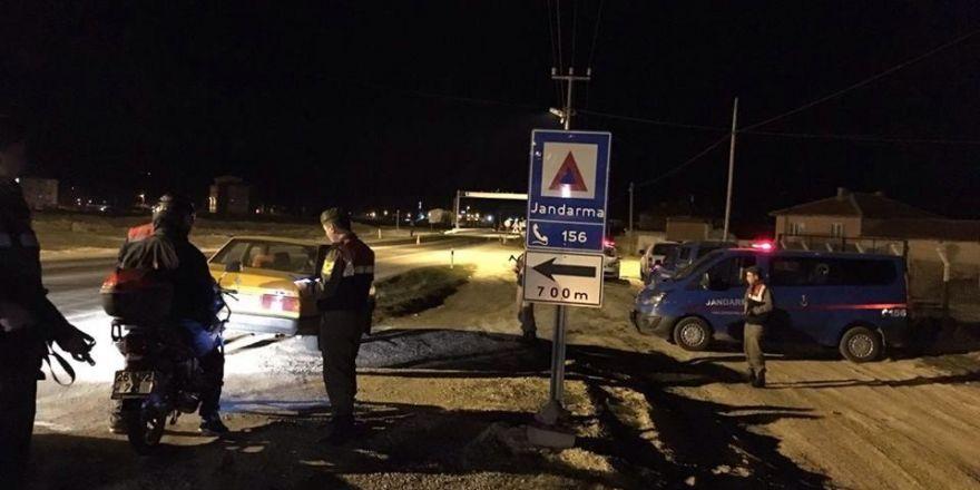 Tepebaşı İlçe Jandarma Komutanlığı ekiplerinden trafik ve asayiş uygulaması