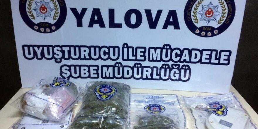 Markette uyuşturucu satarken yakalandı