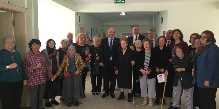 Milletvekili Ilıcalı' dan Huzur Evi Yaşlı Bakım ve Rehabilitasyon Merkezi'ne  ziyaret