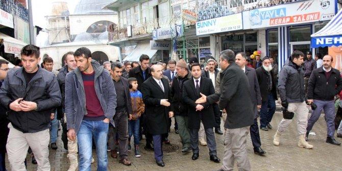 Vali Ustaoğlu'nun Hizan ziyareti