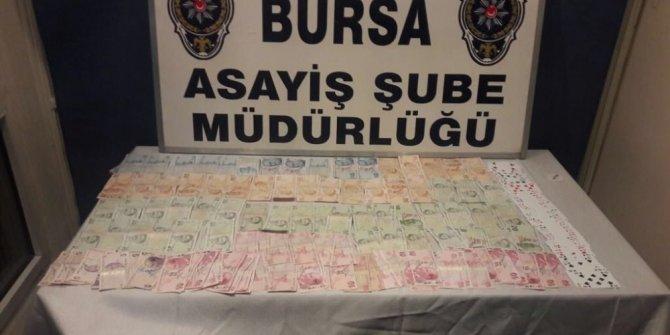 Bursa'da dernek lokaline kumar operasyonu