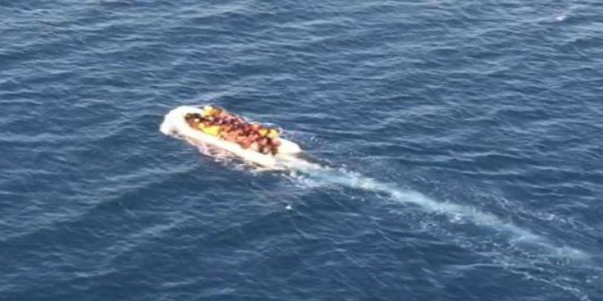 Kuşadası Körfezi'nde 54 kaçak göçmen yakalandı