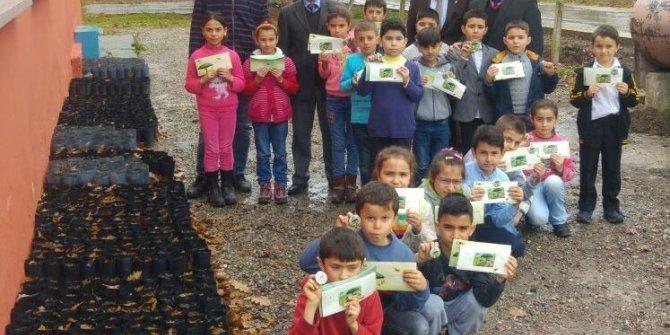 Doğa dostu öğrenciler rozetlerini aldı