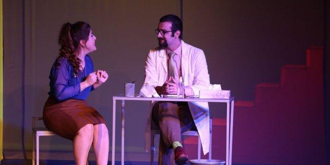 Odunpazarı Belediye Tiyatrosu, tiyatro severleri bekliyor
