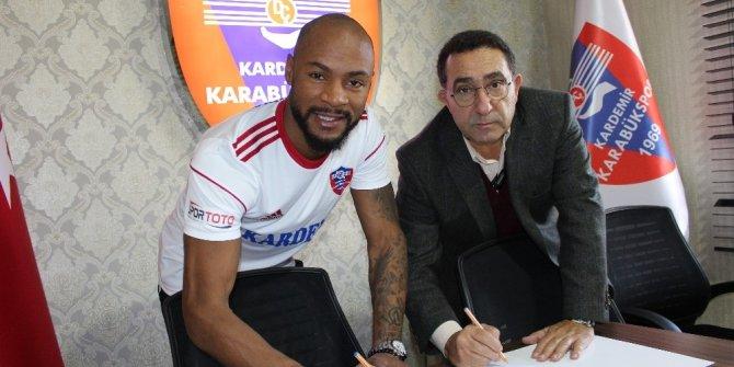 Karabükspor, Leandrinho ile 1.5 yıllık sözleşme imzaladı