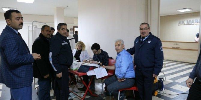 Kilis Belediyesi çalışanlarından kan bağışı
