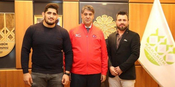 Avrupa şampiyonundan Rektör Prof. Dr. Refik Polat'a ziyaret