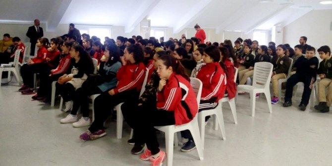 Öğrencilere bilişim suçları semineri