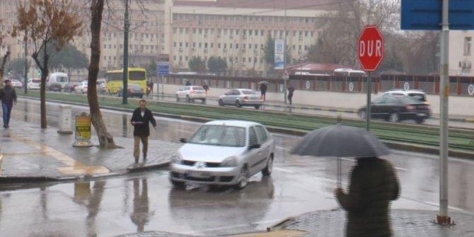 Gaziantep'te yağmur ve sis hayatı olumsuz etkiledi