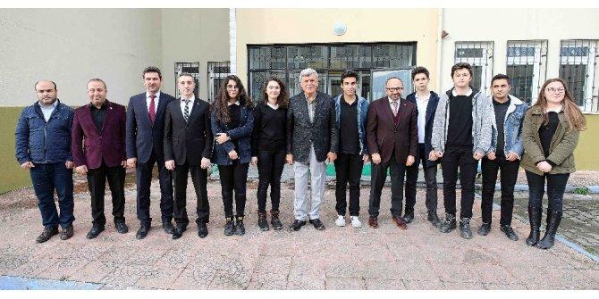 Başkan Karaosmanoğlu: ''Eğitimle yakından ilgileniyoruz''