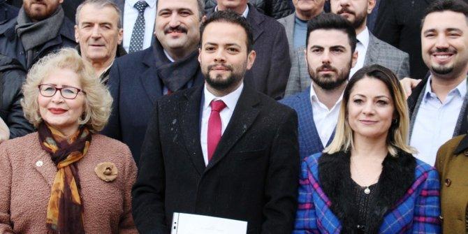 Efeler AK Parti'nin yeni yönetimi mazbatasını aldı
