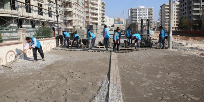 Karşıyaka mahallesinde beton parke çalışması devam ediyor