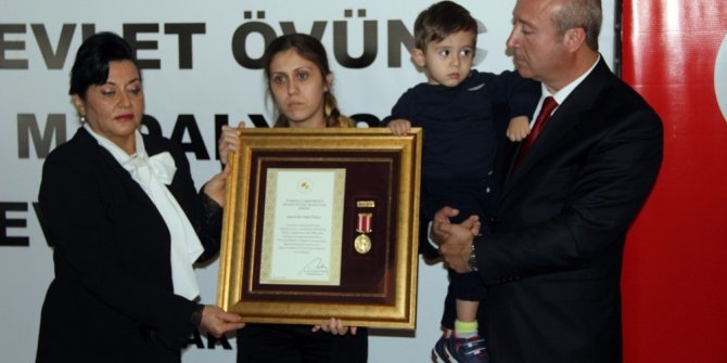 Devlet Övünç Madalyası töreninde gözyaşları sel oldu