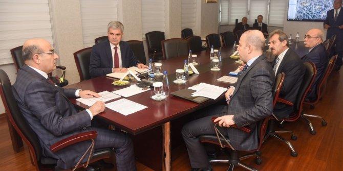 Adana'daki okul yatırımları değerlendirildi