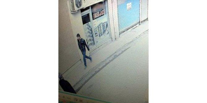 Emlak dükkanından cep telefonu çalan hırsız yakalandı
