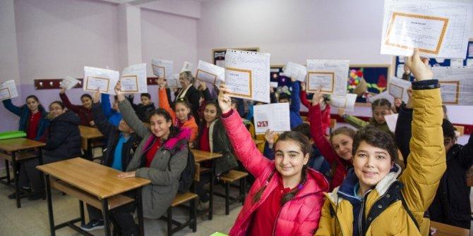 18 milyon öğrenci, karnelerini alarak yarıyıl tatiline çıktı