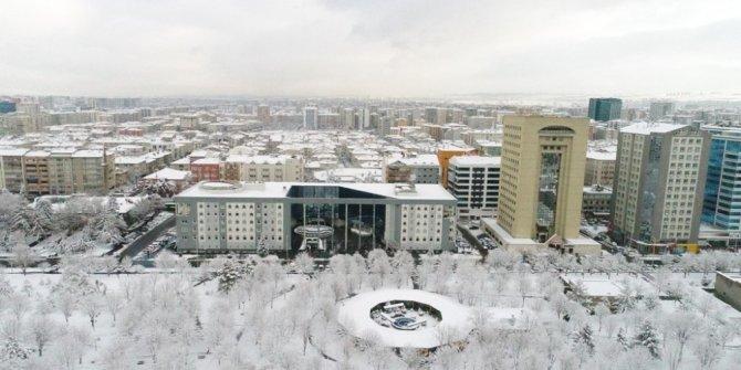 Kocasinan Belediyesi Modern Araçla Karları Temizleniyor
