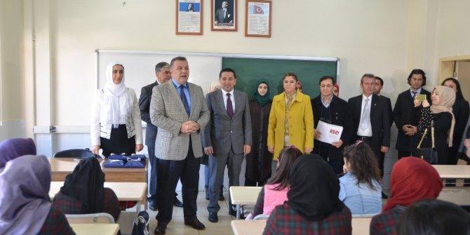 Mersin'de 402 bin öğrenci karne sevinci yaşadı